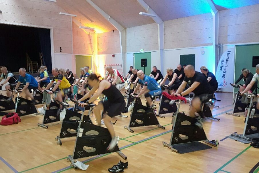 Video: INDOOR CYCLING MARATHON - I Hodde Tistrup Hallen